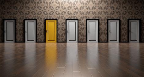 Bild: Viele Türen! Einen Scheiss muss ich: Entdecke Deine Führungskraft